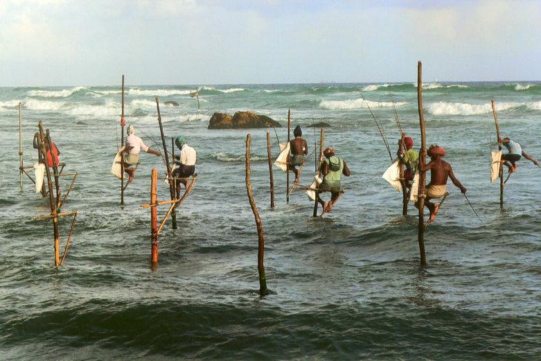 Sri Lanka | Stelzenfischer im Meer