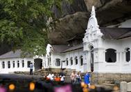 Sri Lanka Urlaub | Außenansicht Höhlentempel  von Dambulla